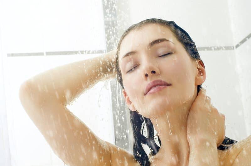 devushka-v-dushe