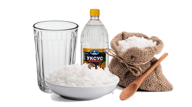 Смесь соли и уксуса эффективно выводит пятна