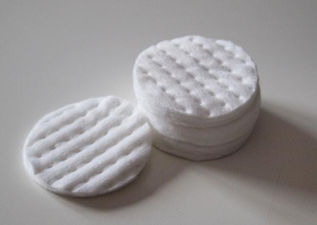 Ватный диск для очистки жирных пятен