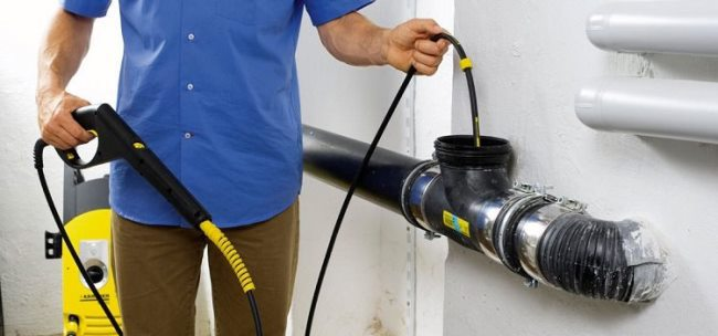 Применение профессионального оборудования «Керхер» для очистки канализации