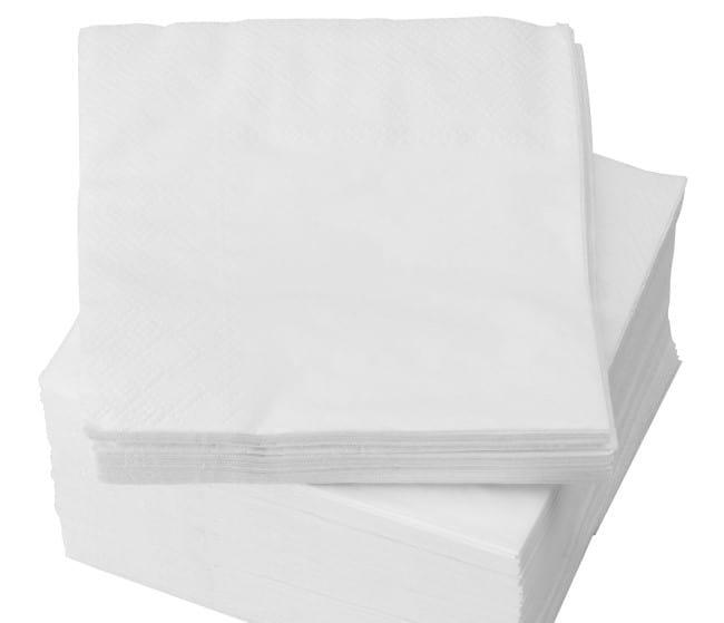 Бумажная салфетка эффективна для удаления свежего силикона