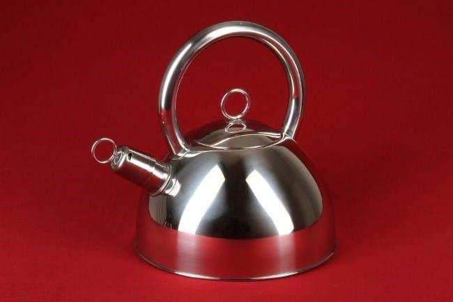 Сохранить новизну чайника из нержавейки реально