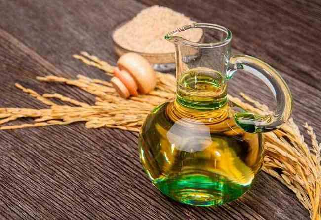 Растительное масло уберет пластилин