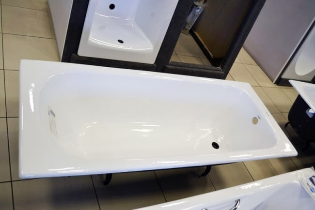 Чистка чугунной ванны