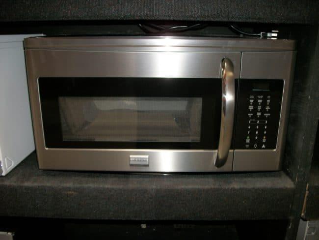 Микроволновая печь из нержавейки