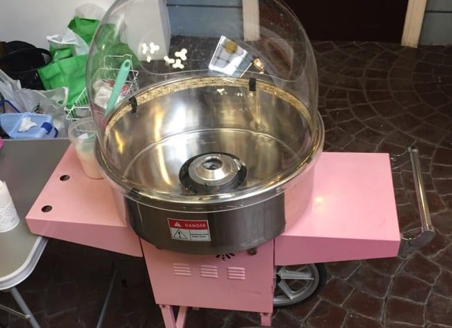 Чистка аппарата для сладкой ваты
