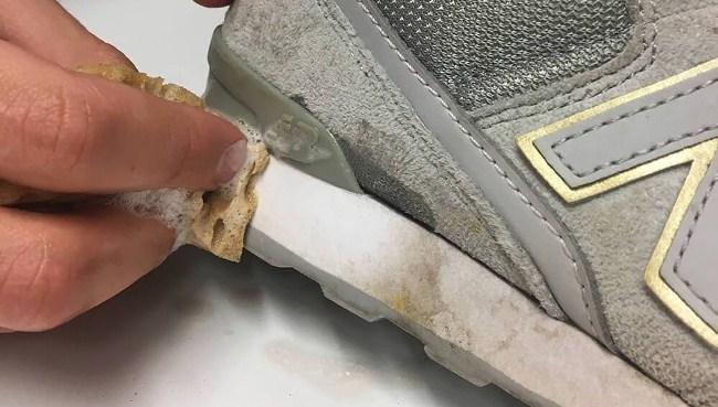 От мазута поможет избавиться концентрированный раствор стирального порошка