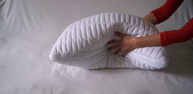 Подушку следует ежедневно взбивать