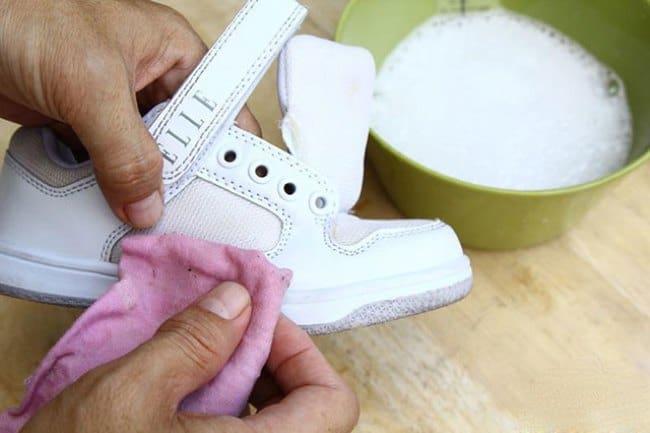 Отбеливание кожаных кроссовок