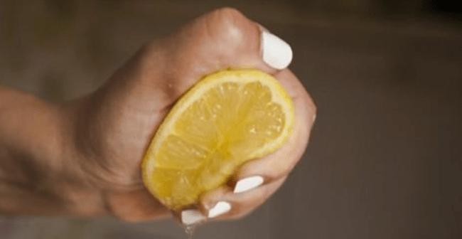 Лимонный сок поможет избавиться от пятен