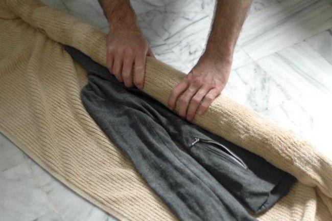 Перед растягиванием следует убрать лишнюю влагу