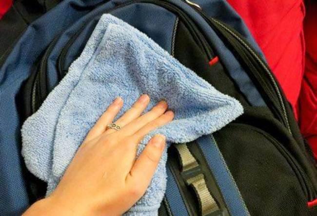 Не стирайте рюкзаки слишком часто, если есть возможность постарайтесь избавиться от загрязнения протиранием