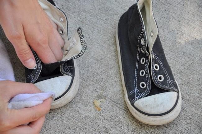Очистка обуви