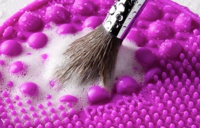 Очищение и уход за спонжами и кисточками для макияжа в домашних условиях