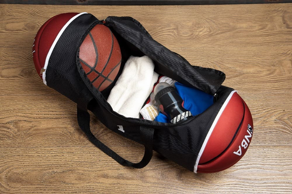 Освободите сумку перед началом чистки