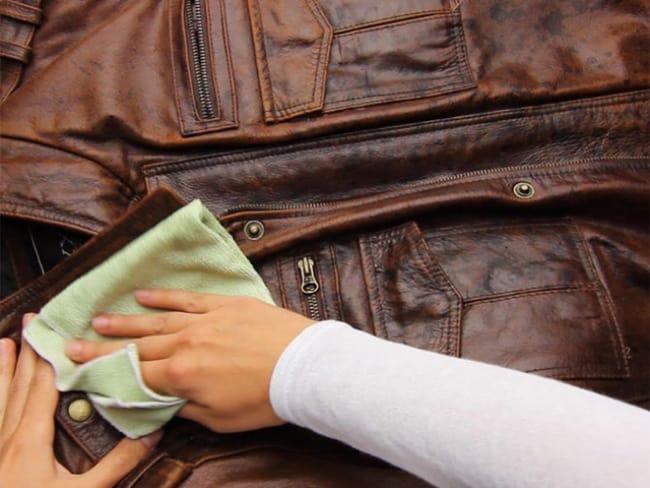 Периодически куртку необходимо обрабатывать влагоотталкивающими средствами