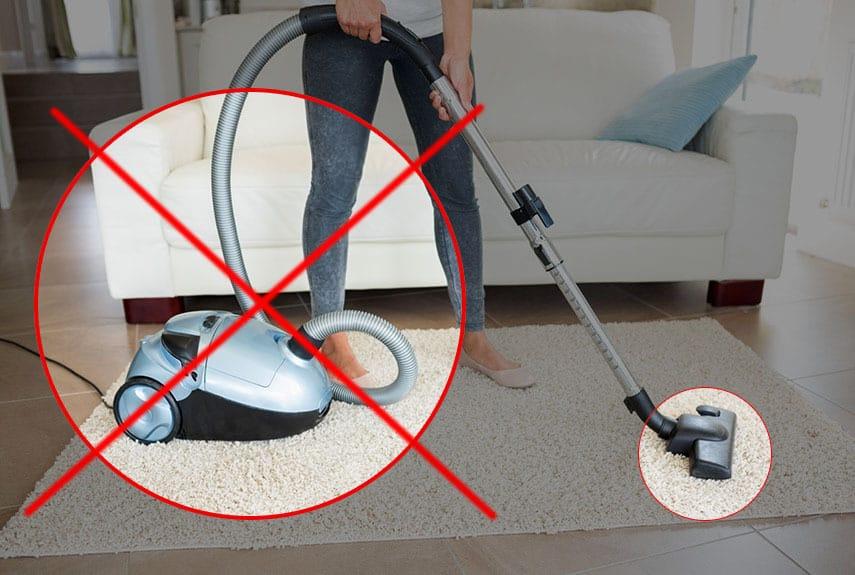 Применять пылесос категорически запрещено