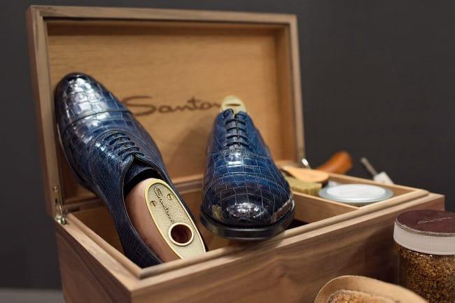 Для чистки обуви из рептилий используйте только профессиональную косметику