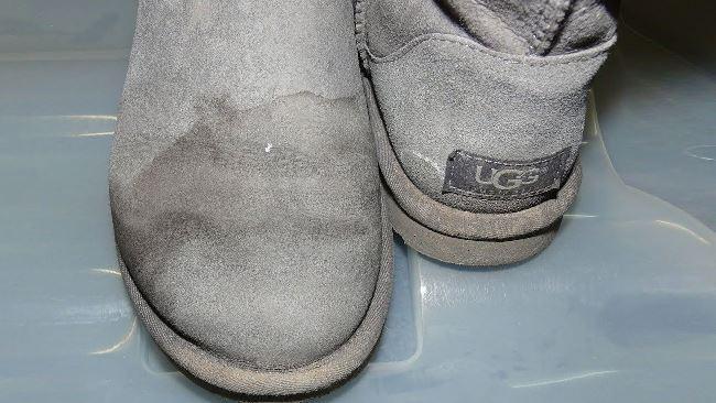 Из-за высокой влажности, замшевая обувь будет плесневеть