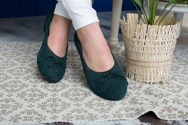 54c1ed775 Как вымыть замшевую обувь: особенности чистки, средства, предосторожности