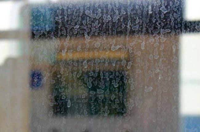Некачественная вода оставляет разводы после мытья