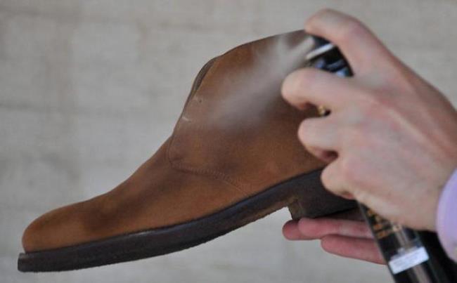 Обязательно обработайте новую обувь