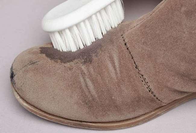 При чистке используйте не сильно жесткие щетки
