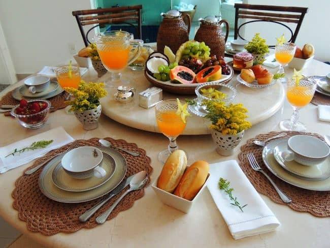 Для завтрака используйте повседневную посуду