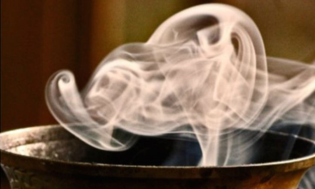 Тлеющая пряность заглушит неприятное амбре от никотина