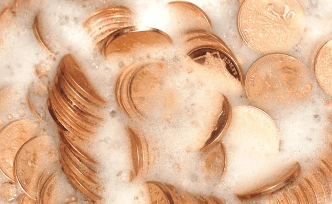Чистить монеты с помощью мыла – первый этап очистки для всех металлических денег