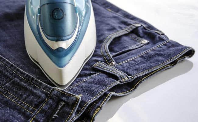 Как удалить клей с одежды