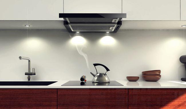 Кухонная вытяжка очищает воздух от запаха, дыма, смога