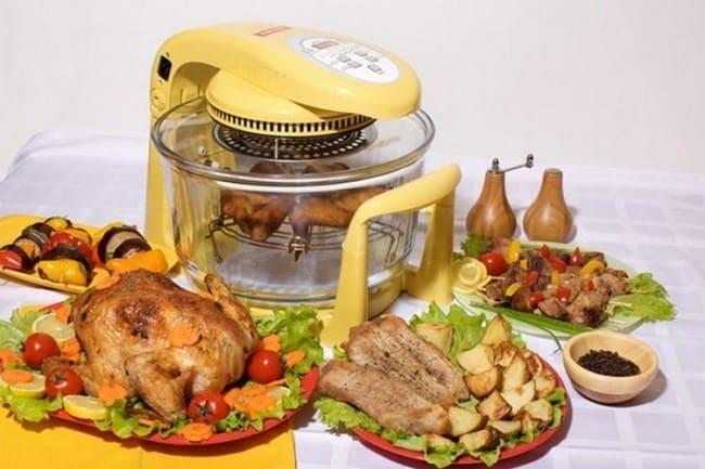 В колбе можно коптить рыбу и мясо, делать курицу-гриль, запекать овощи, а также готовить гарниры, супы, каши