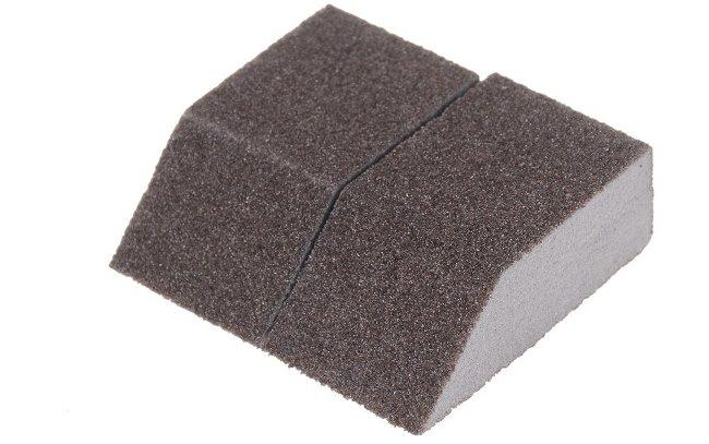 Для удобства губку можно разрезать на несколько частей