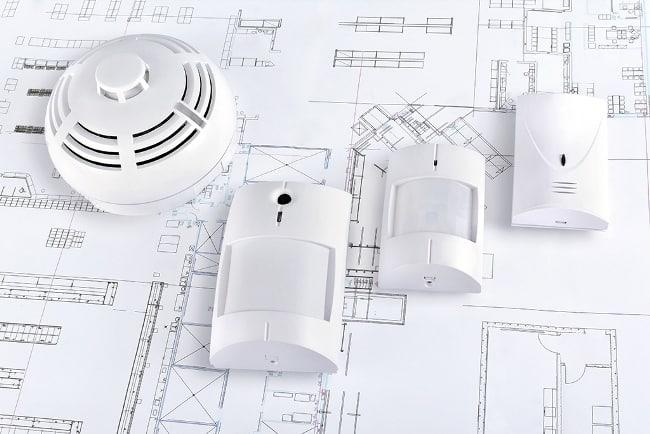 Разработка ОПС проводится в соответствии с ГОСТами, СНиПами, правилами эксплуатации помещений и другими нормативными документами