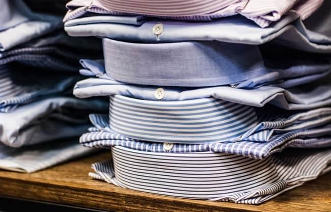 Сложенные «валетом» рубашки сохранят идеально ровный вид воротника