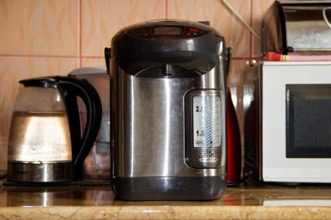 Термопоты особенно популярны в офисах, где число любителей чая и кофе не может удовлетворить обычный чайник