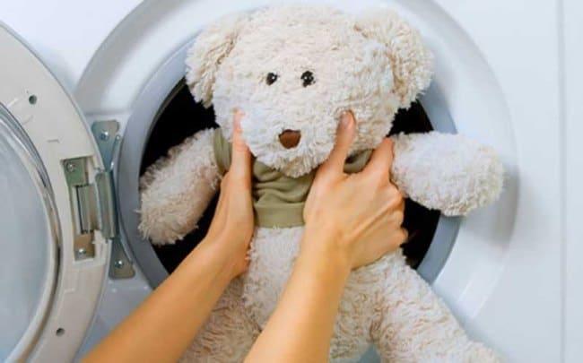 В стиральную машину можно загружать любые мягкие игрушки