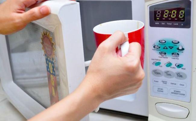 Чашки при нагреве могут лопнуть
