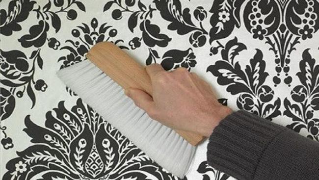 Перед началом чистки уберите всю пыль