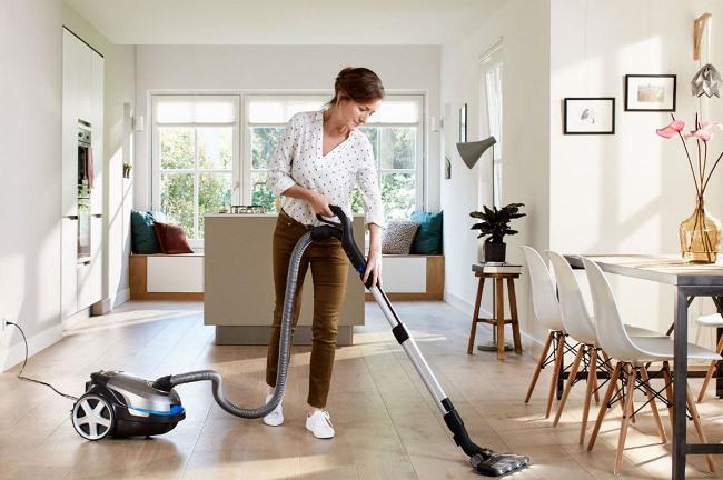 В сухую чистку входит работа с коврами и всеми типами ковровых покрытий