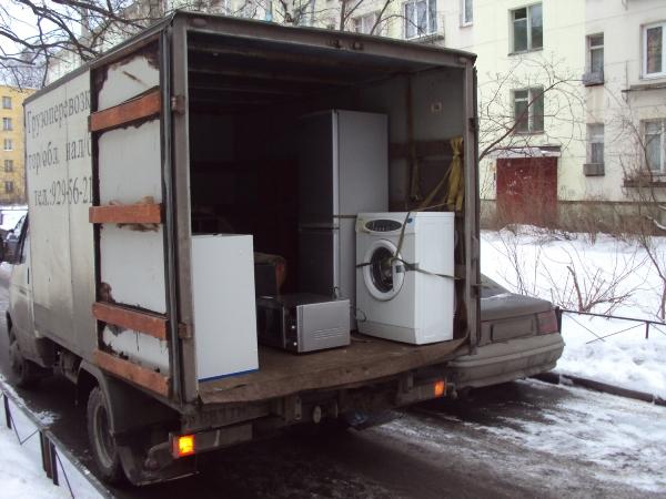 Перевозите стиральную машинку в вертикальном положении