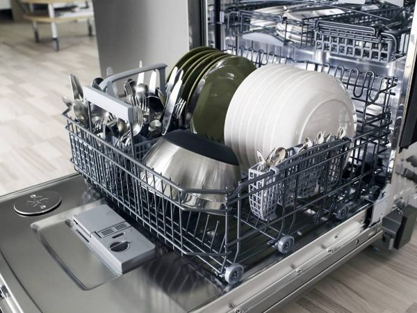 Посудомоечная машина использует до 13 литров воды