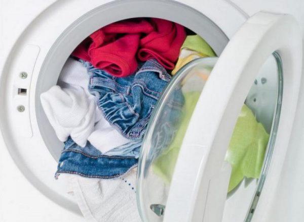 При полной загрузке бака белье часто остается не постиранным