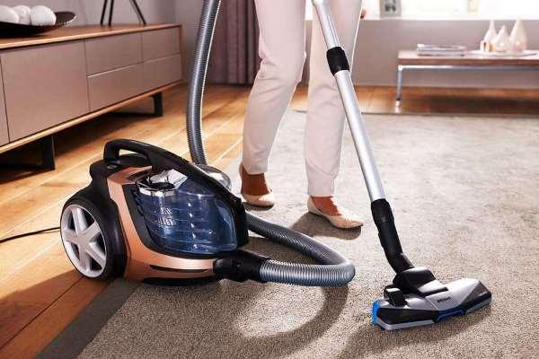 Моющий пылесос хорошо справляется с чисткой ковров