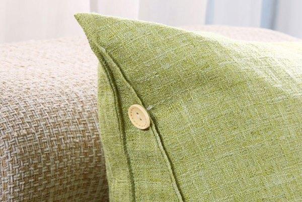 Чехол желательно обрабатывать отдельно от подушки