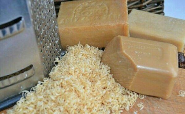 Хозяйственное мыло идеальный вариант для деликатных тканей