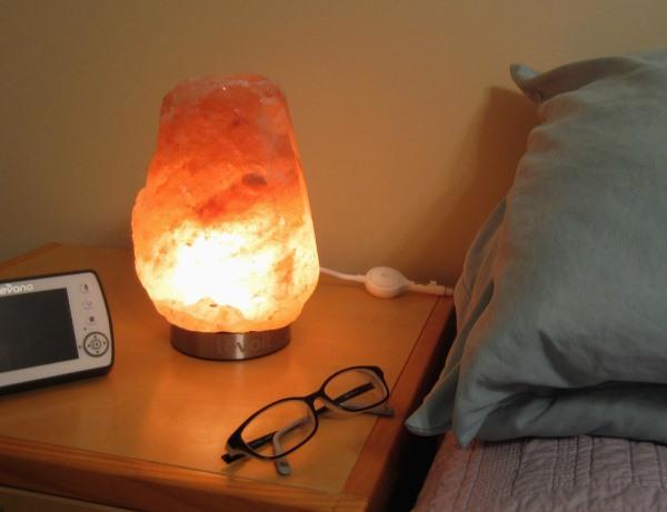 Расположите лампу в сухом месте