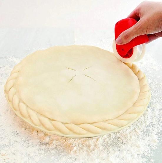 ролик для украшения пирога
