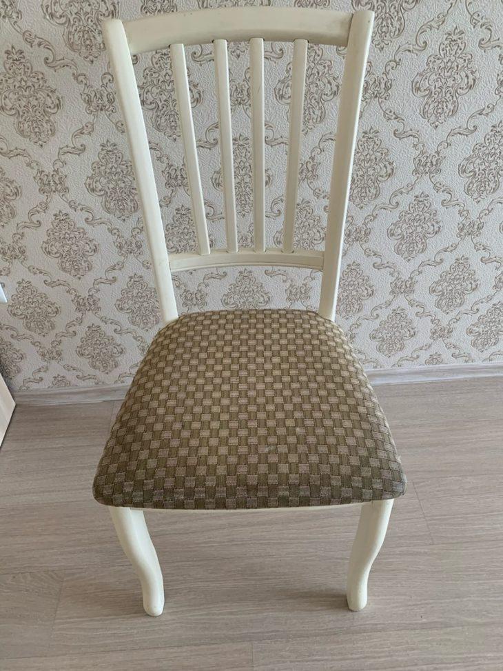 грязный стул